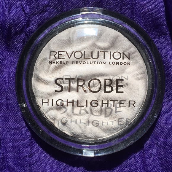 Makeup Revolution Other - Makeup Revolution Strobe Highlighter